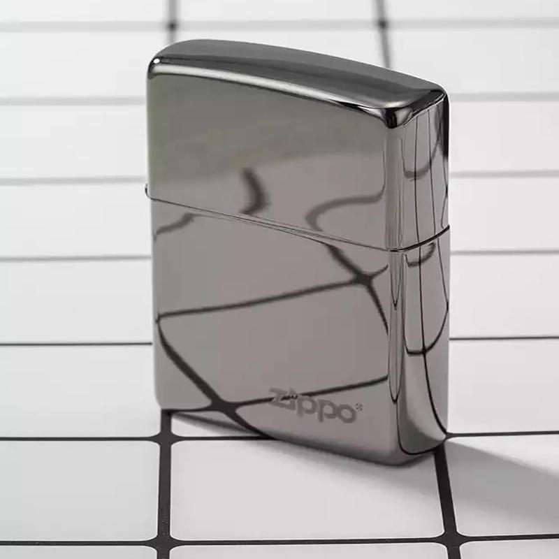 之宝(Zippo)打火机  煤油防风火机 镭射镀黑铬 150ZL